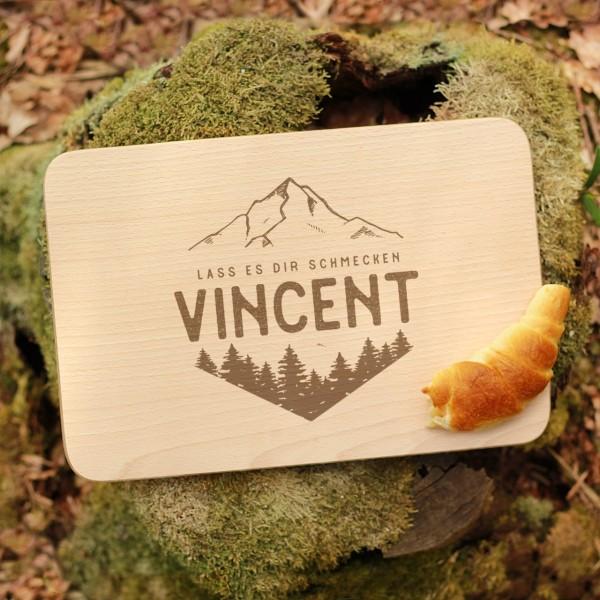 Brettchen Schneidebrett Outdoor Berge und Wälder mit Namen personalisiert