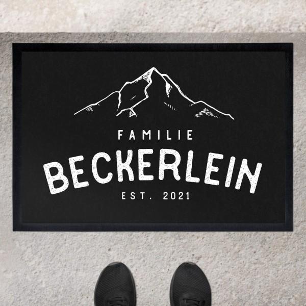Fußmatte mit Motiv Berge Gipfelstürmer und Familiennamen personalisiert
